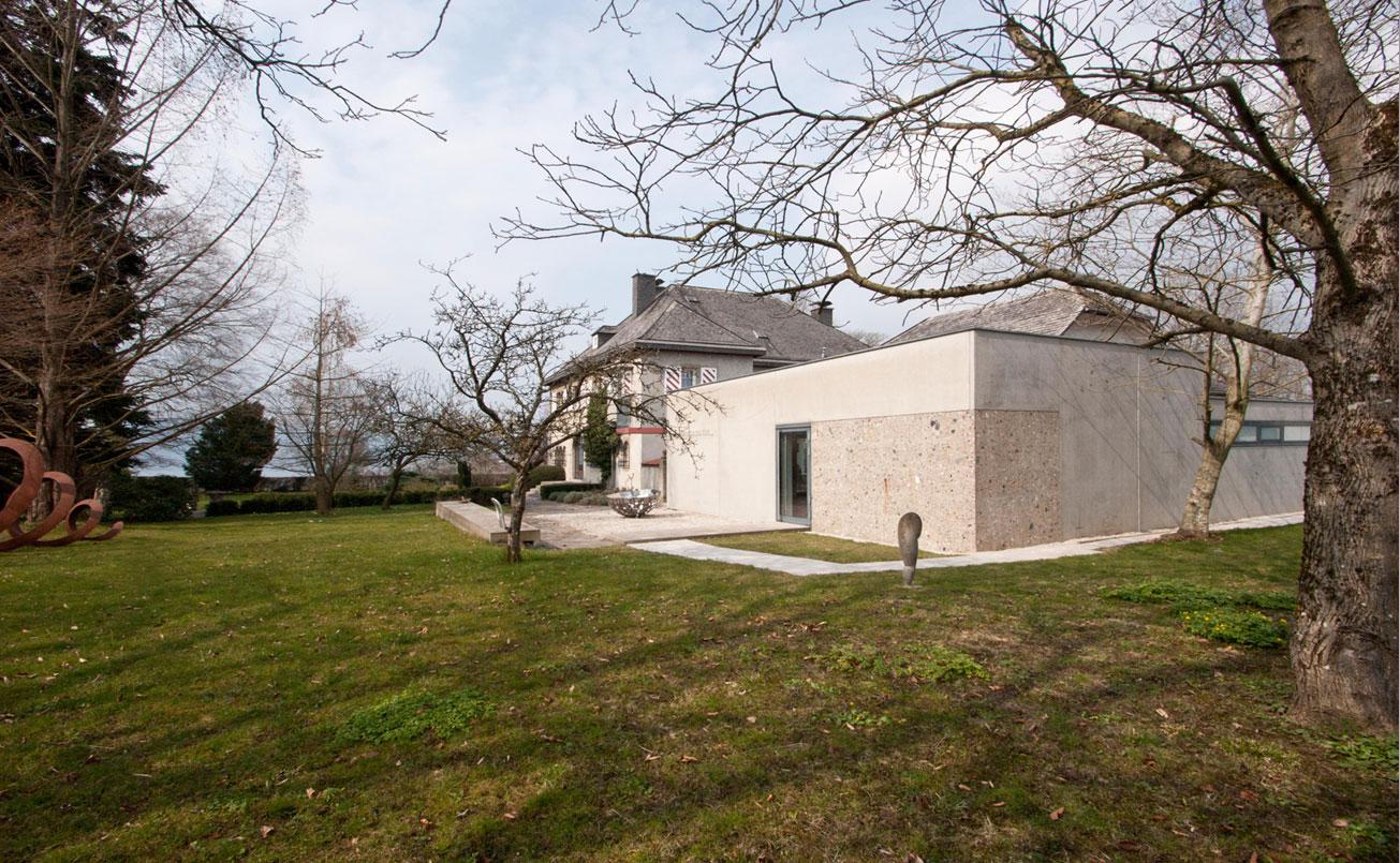 Galerie Petra Seiser, vormals Kaethe Zwach Galerie, Objektbau seit 2005 mit Villa und Parkanlage