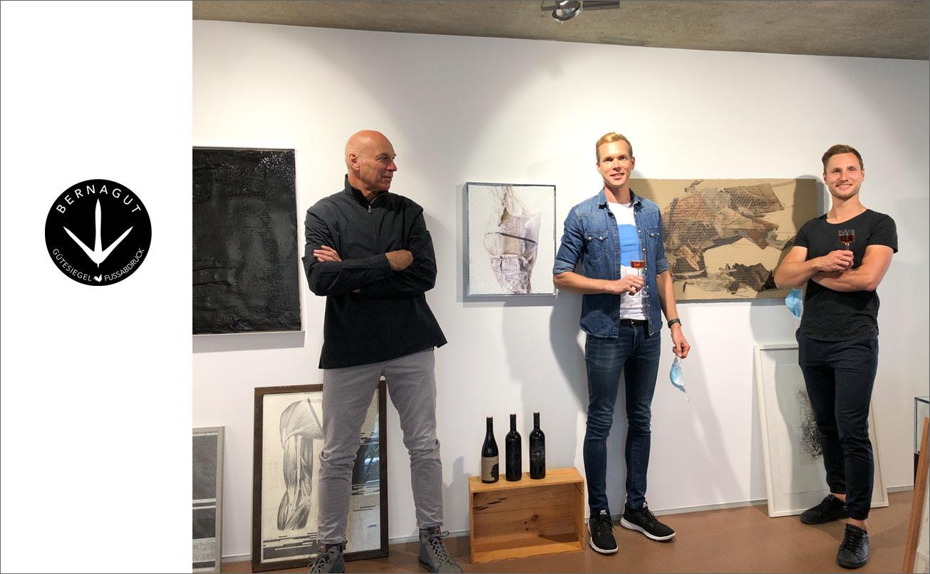 Hannes Rohringer, Laurenz Rohringer, Patrick Urmann, vor den Arbeiten von Rudi Stanzl und Hannes Rohringer